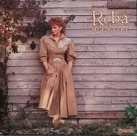 Reba McEntire – Whoever's In New England